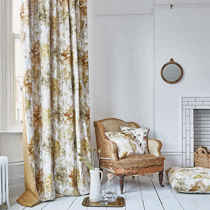 Fitting Curtains