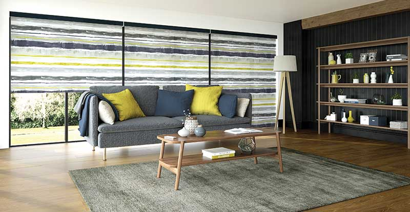 Como electric roller blind in a living room
