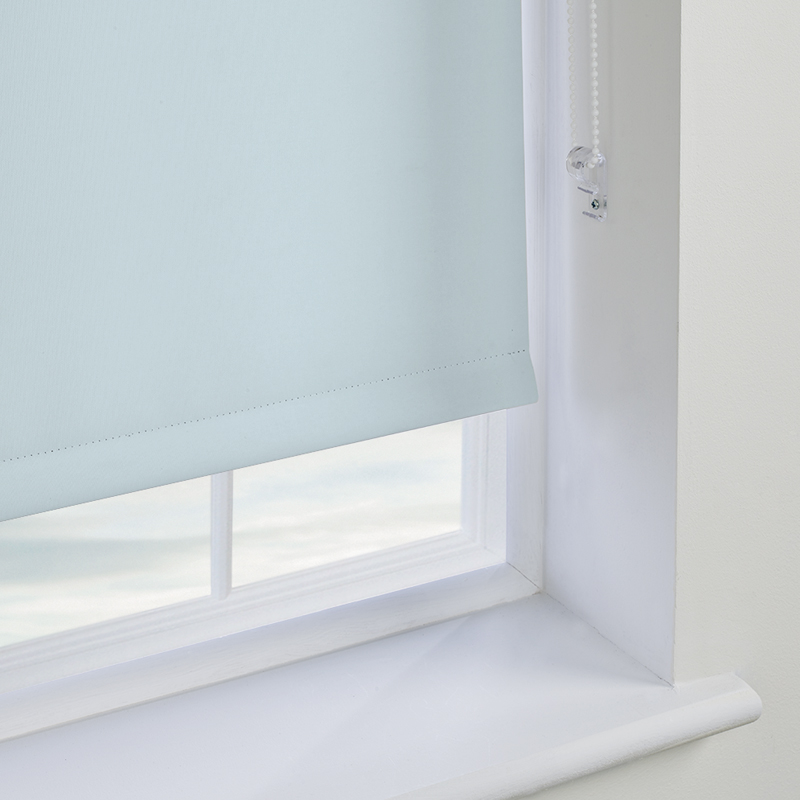 Blackout Roller Blinds : Blackout roller blinds made to measure