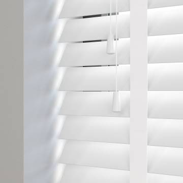 Wooden Blinds Mississippi Taped white